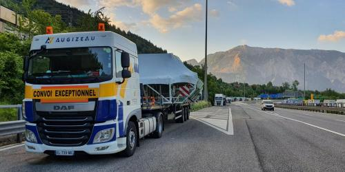 Transport de France vers l'italie grande largeur
