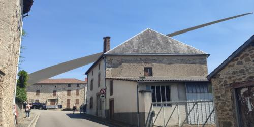 Passage pâle d'éolienne dans GORRE (87)
